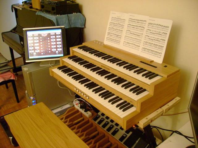 pc organ hauptwerk virtual software organ on computer via midi images of hauptwerk consoles. Black Bedroom Furniture Sets. Home Design Ideas
