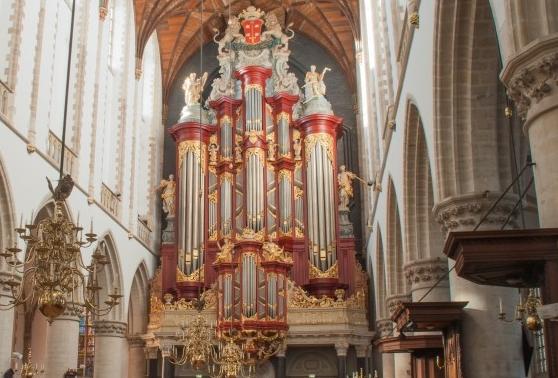 Luister naar psalmbewerkingen, gespeeld op Hauptwerk orgels